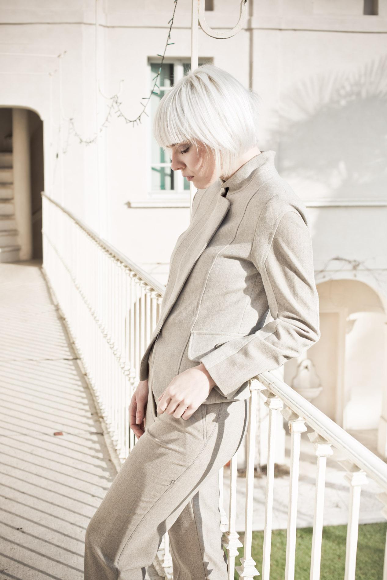 Pelliccia in Kalgan, giacca e pantalone in tessuto in filo di ceramica