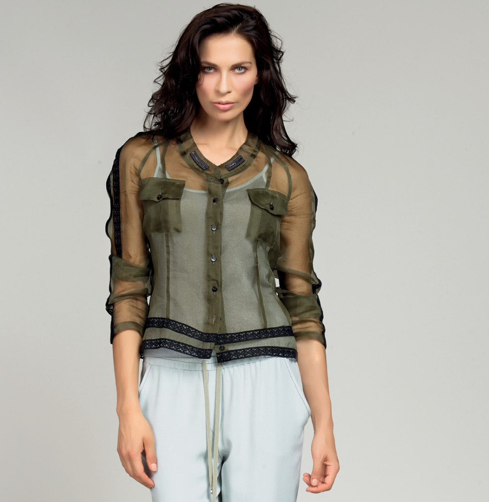 GIACCA / JACKET <strong>D306</strong> <br> TOP / TANK <strong>D317</strong> <br> PANTALONE / PANTS <strong>D330</strong> <br> PANTALONE / PANTS <strong>D239</strong>