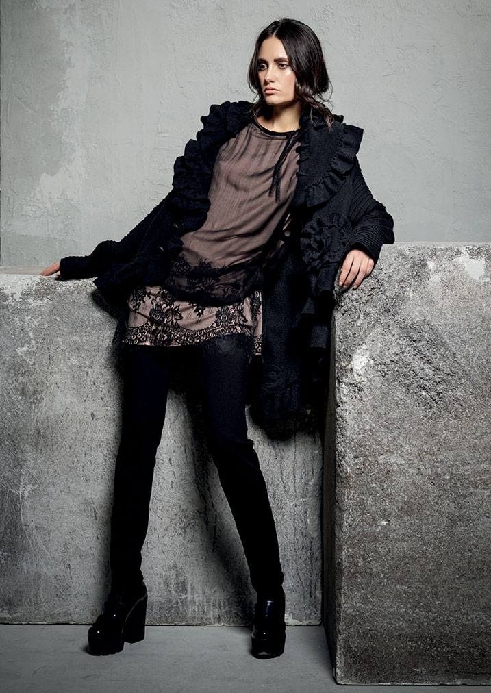 GIACCA/JACKET <strong>E200</strong><br> TUNICA/TUNIC <strong>E208</strong><br> PANTALONE/PANTS <strong>E239</strong>