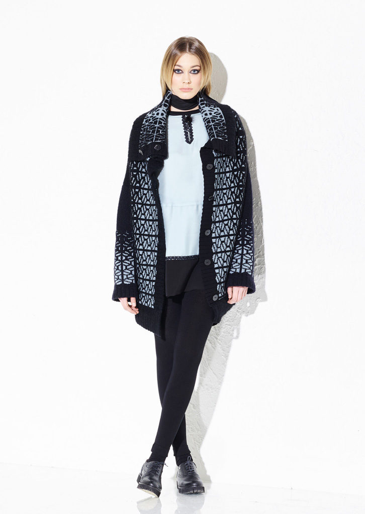 CARDIGAN/CARDIGAN<strong> G219</strong><br> TUNICA/TUNIC<strong> G232</strong><br> SCIARPETTA/SCARF<strong> G144</strong><br> LEGGINGS/LEGGINGS<strong> G339</strong>