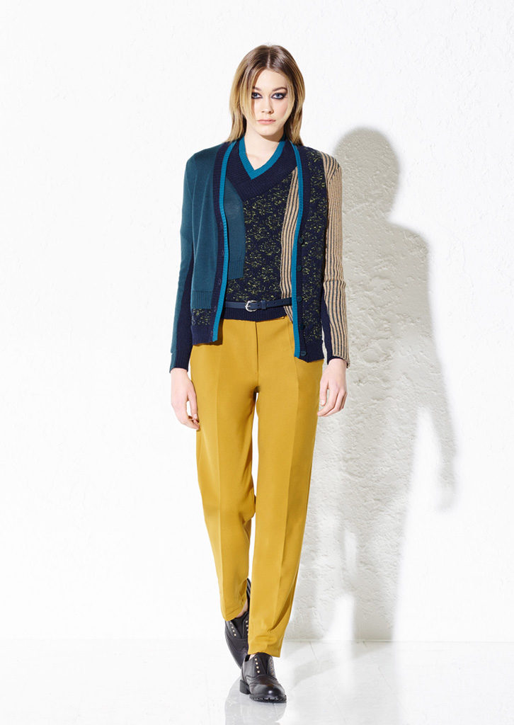 CARDIGAN/CARDIGAN <strong> G401</strong><br> MAGLIA/SWEATER <strong> G400</strong><br> PANTS/PANTS <strong> G419</strong>