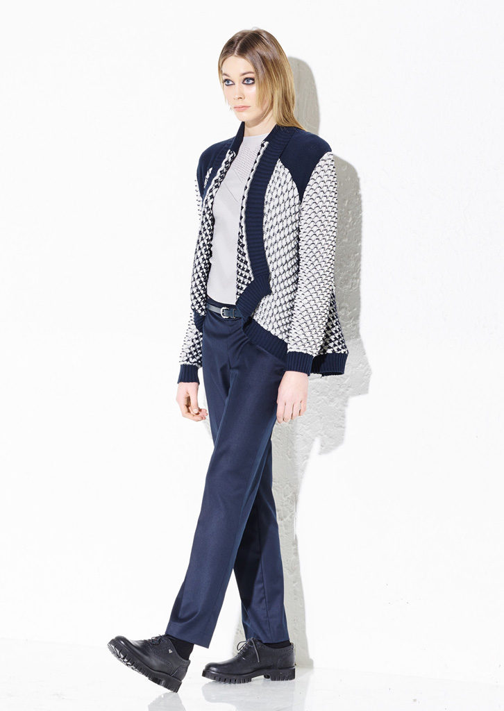 CARDIGAN/CARDIGAN <strong> G306</strong><br> MAGLIA/SWEATER <strong> G800</strong><br> PANTS/PANTS <strong> G340</strong>
