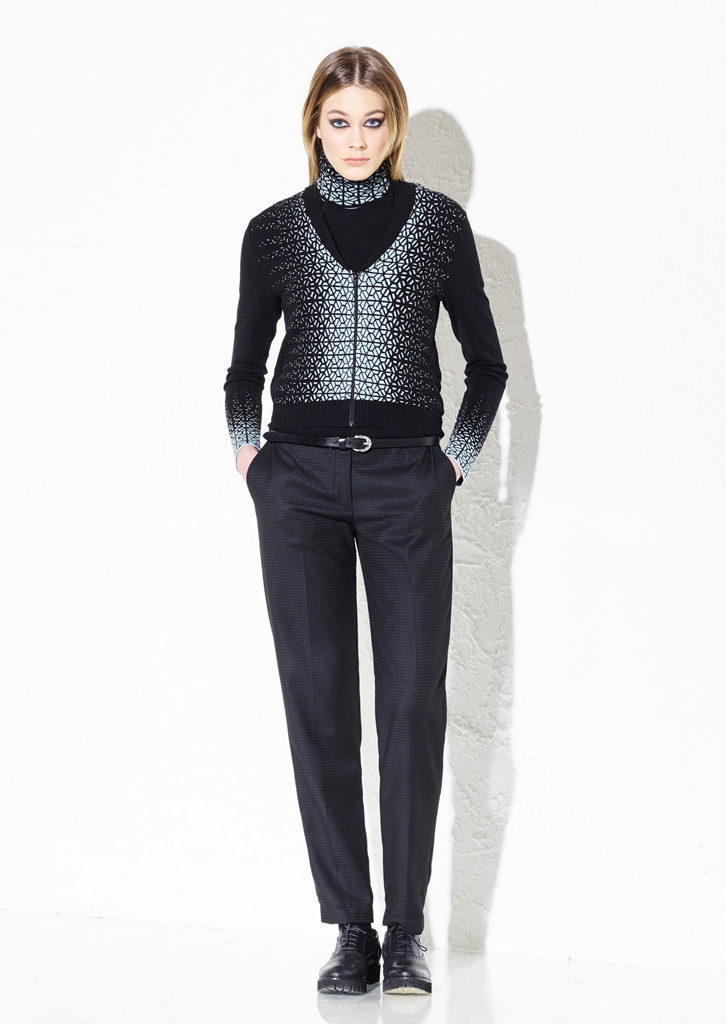 CARDIGAN/CARDIGAN<strong> G208</strong><br> DOLCEVITA/TURTLENECK<strong> G207</strong><br> PANTS/PANTS<strong> G340</strong>