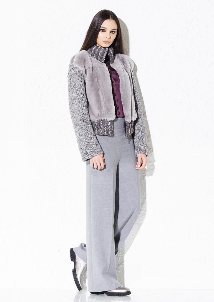 GIACCA/JACKET <strong> G145</strong><br> CAMICIA/BLOUSE <strong> G134</strong><br> PANTS/PANTS <strong> G416</strong>