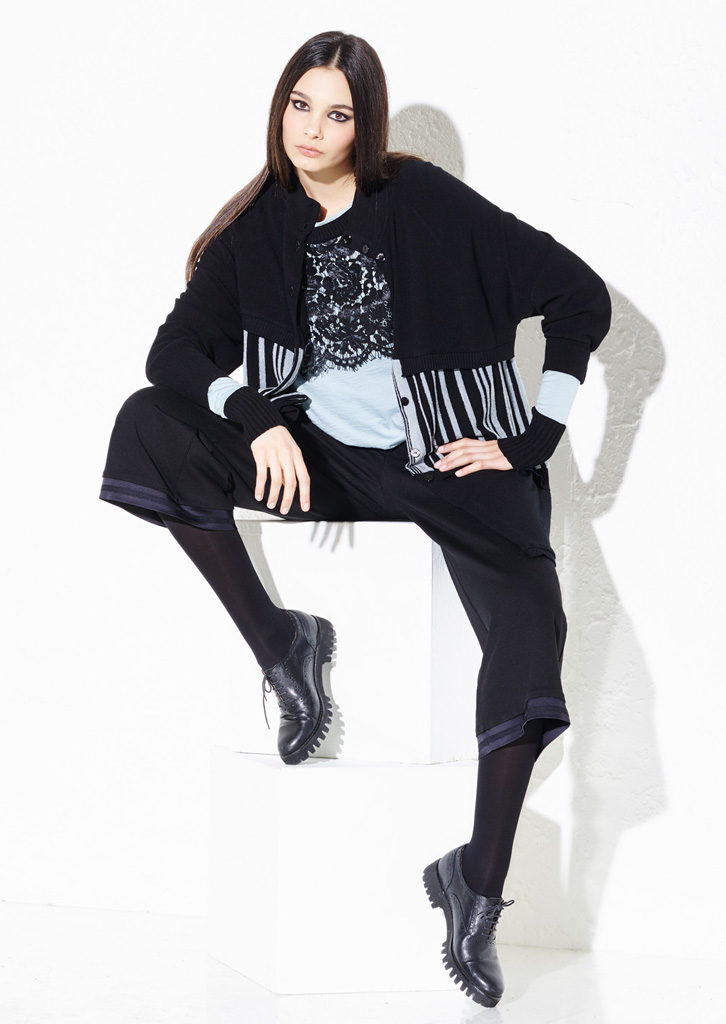 CARDIGAN/CARDIGAN <strong> G205</strong><br> MAGLIA/SWEATER <strong> G203</strong><br> PANTS/PANTS <strong> G333</strong>
