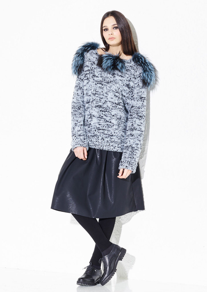 MAGLIA/JUMPER<strong> G220</strong><br> GONNA/SKIRT <strong> G331</strong><br> LEGGINGS/LEGGINGS<strong> G339</strong>