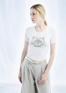 CAMICETTA/SWEATER <strong>M155</strong><br> PANTALONE/PANTS <strong>M130</strong><br> CINTURA/BELT <strong>M344</strong>