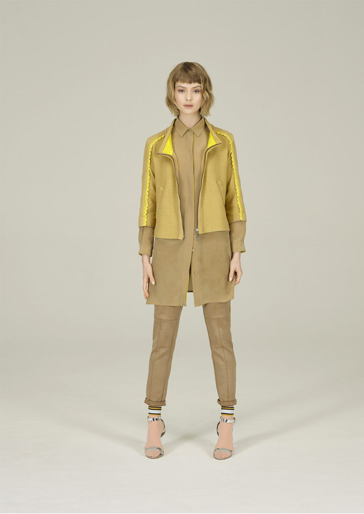 GIACCA/JACKET <strong>N217</strong><br> CAMICIA/BLOUSE <strong>N214</strong><br> PANTALONE/PANTS <strong>N131</strong>