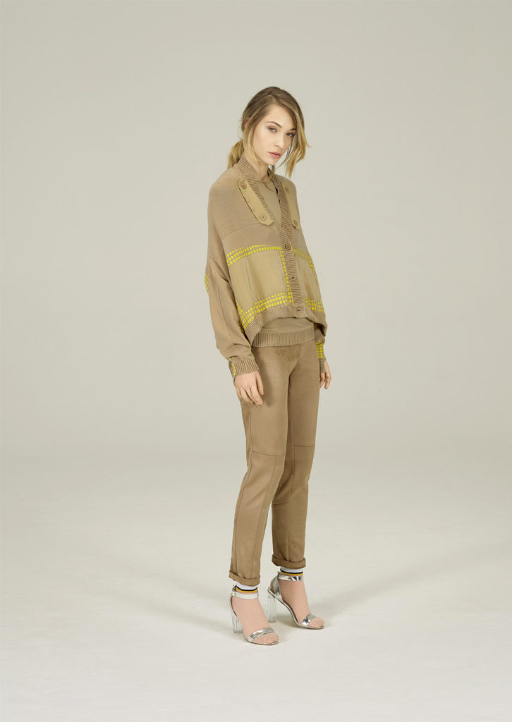 CARDIGAN/CARDIGAN <strong>N224</strong><br> CAMICETTA/SWEATER <strong>N223</strong><br> PANTALONE/PANTS <strong>N131</strong>