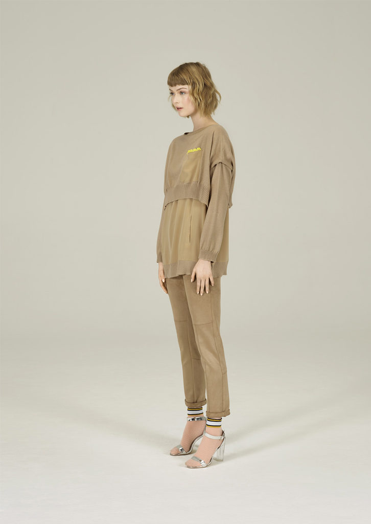 CAMICETTA/SWEATER <strong>N237</strong><br> PANTALONE/PANTS <strong>N131</strong>