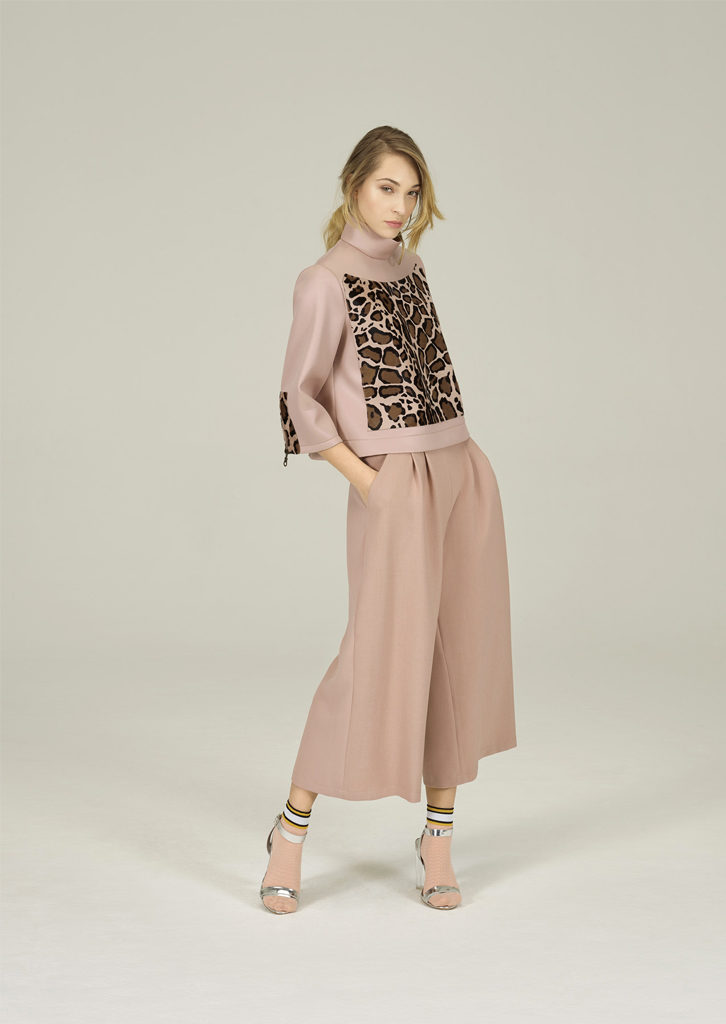 CAMICETTA/SWEATER <strong>N332</strong><br> PANTALONE/PANTS <strong>N345</strong>