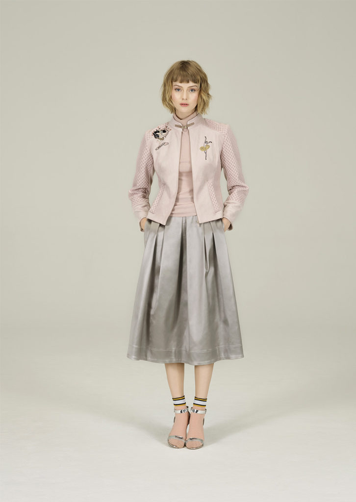 GIACCA/JACKET <strong>N324</strong><br> CANOTTA/TOP <strong>N307</strong><br> GONNA/SKIRT <strong>N416</strong>