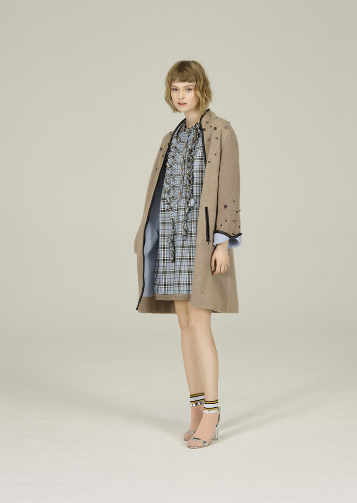 ABITO/DRESS <strong>N166</strong><br> CAPPOTTO/COAT <strong>N136</strong>