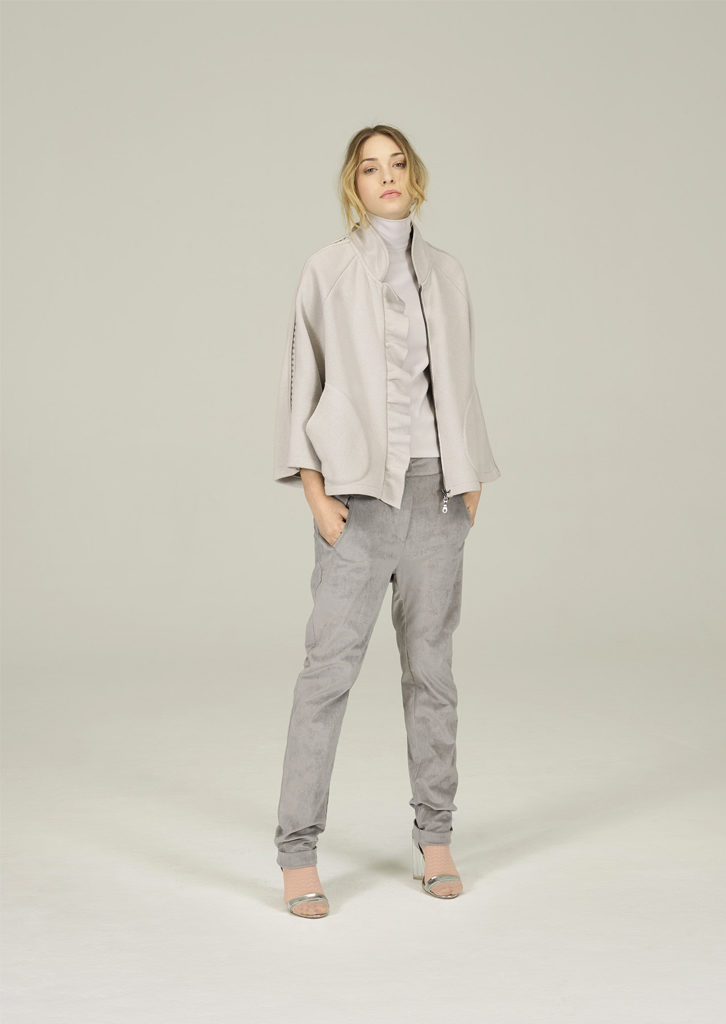 GIACCA/JACKET <strong>N155</strong><br> CANOTTA/TOP <strong>N156</strong><br> PANTALONE/PANTS <strong>N188</strong>