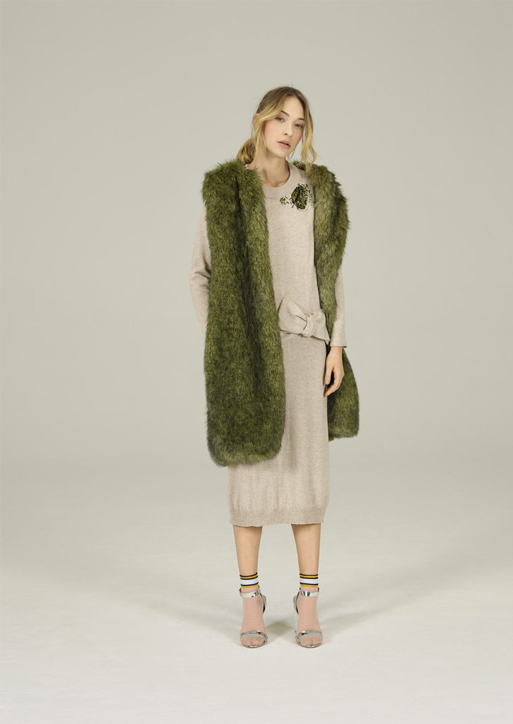 ABITO/DRESS <strong>N413</strong><br> GILLET_PELLICCIA/FUR_WAISTCOAT <strong>N404</strong>
