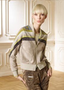 CARDIGAN/CARDIGAN <strong>R202</strong><br> CAMICETTA/SWEATER <strong>R243</strong><br> PANTALONE/PANTS <strong>R411L</strong>