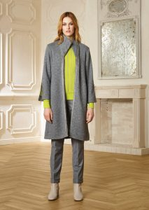 CAPPOTTO/COAT <strong>R228</strong><br> CAMICETTA/SWEATER <strong>R236</strong><br> PANTALONE/PANTS <strong>R516</strong>