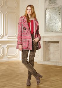 CAPPOTTO/COAT <strong>R350</strong><br> CAMICETTA/SWEATER <strong>R353</strong><br> PANTALONE/PANTS <strong>R411L</strong>