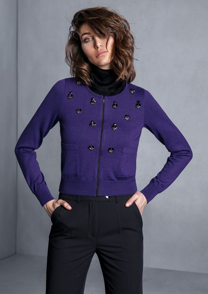 DOLCEVITA/TURTLE_NECK <strong>T725</strong><br> CARDIGAN/CARDIGAN <strong>T707</strong><br> PANTALONE/PANTS <strong>T649</strong>