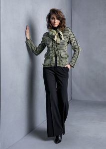CARDIGAN/CARDIGAN <strong>T636</strong><br> COLLO/COLLAR <strong>T843</strong><br> PANTALONE/PANTS <strong>T649</strong>