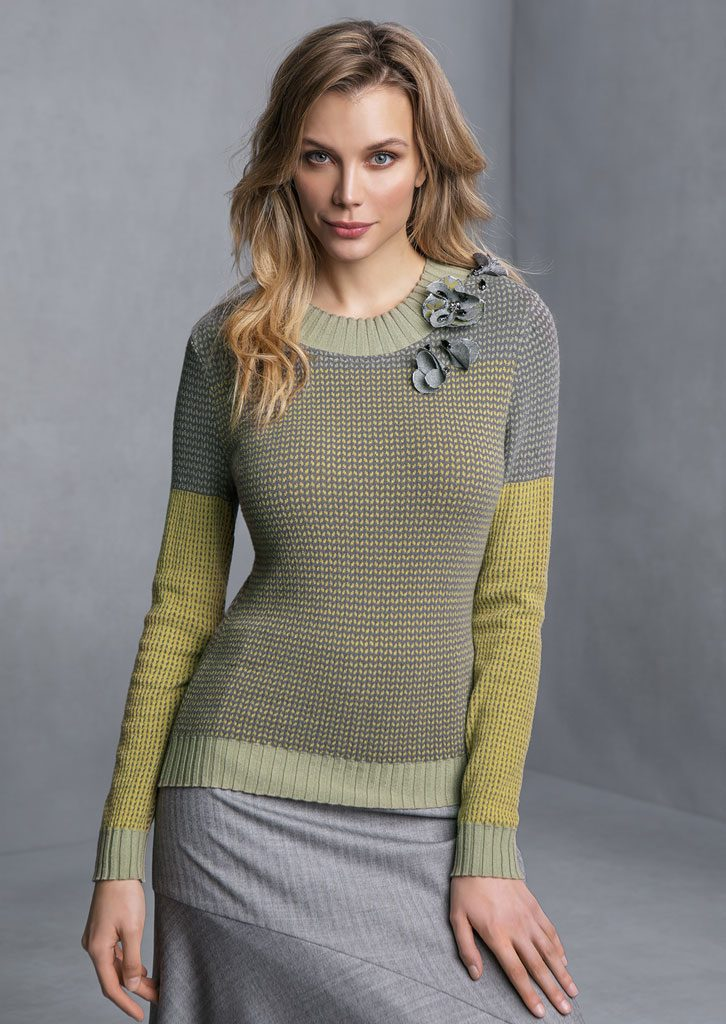 MAGLIA/SWEATER <strong>T809</strong><br> GONNA/SKIRT <strong>T837</strong>