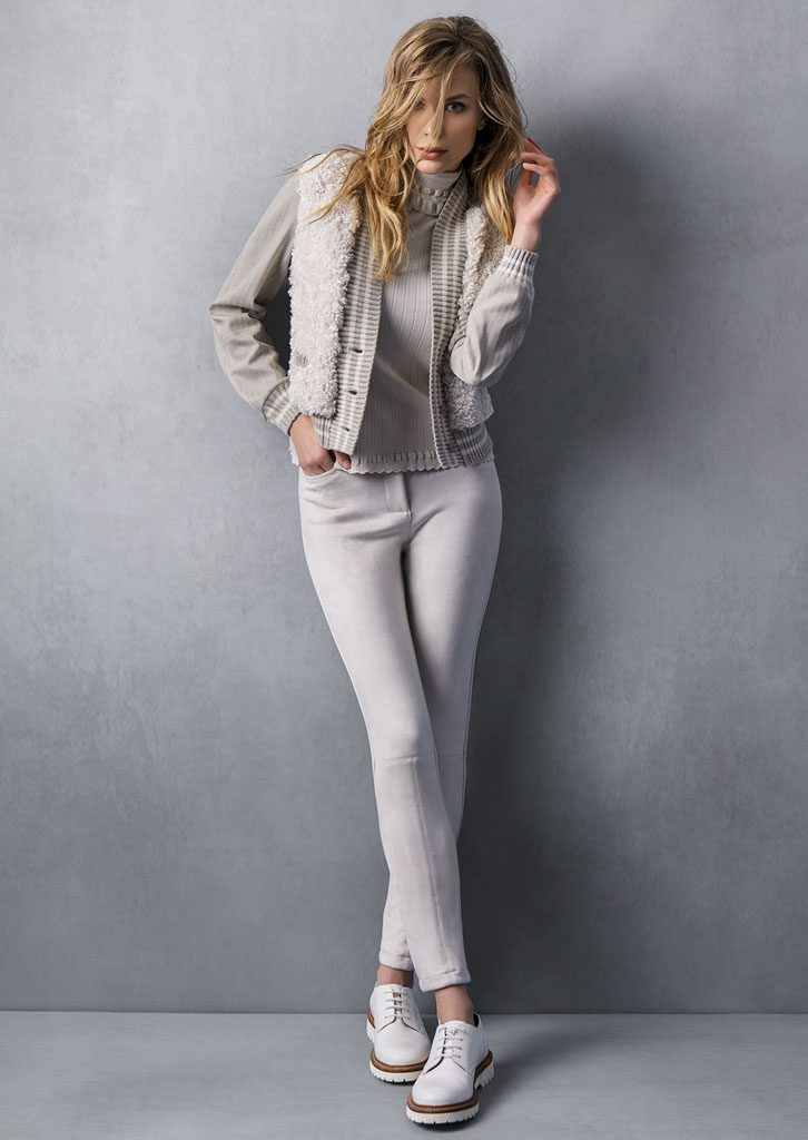 DOLCEVITA/TURTLE_NECK <strong>T547</strong><br> GIUBBETTO/JACKET <strong>T512</strong><br> PANTALONE/PANTS <strong>T554</strong>