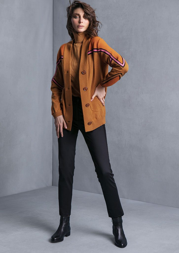 DOLCEVITA/TURTLE_NECK <strong>T608</strong><br> CARDIGAN/CARDIGAN <strong>T617</strong><br> PANTALONE/PANTS <strong>T645</strong>