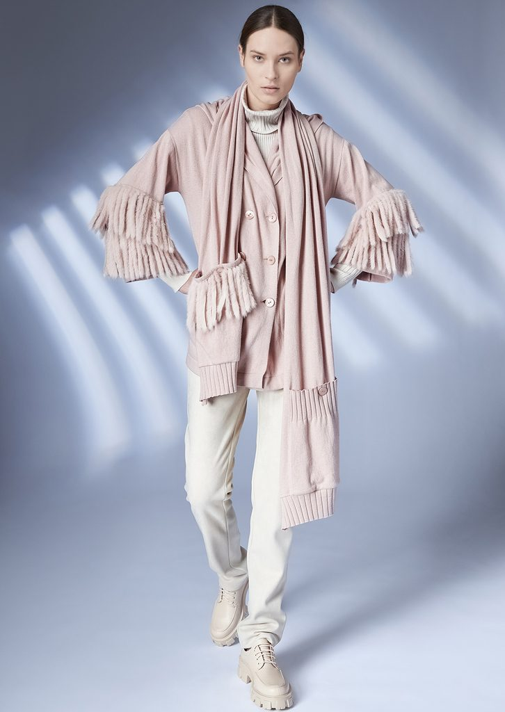 CARDIGAN/CARDIGAN <strong>Z362</strong><br> TURTLE_NECK/TURTLE_NECK <strong>Z205</strong><br> SCARF/SCARF <strong>Z365</strong><br> PANTS/PANTS<strong>Z220</strong>