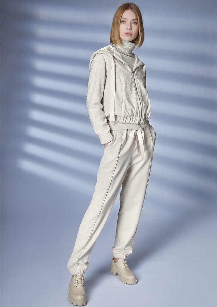 JACKET/JACKET <strong>Z223</strong><br> TURTLE_NECK/TURTLE_NECK <strong>Z205</strong><br> PANTS/PANTS <strong>Z242</strong>