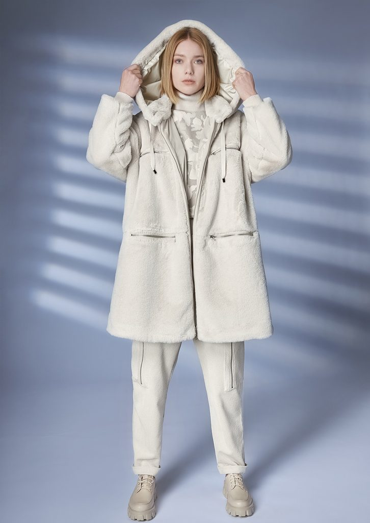 COAT/COAT <strong>Z200</strong><br> TURTLE_NECK/TURTLE_NECK <strong>Z253</strong><br> PANTS/PANTS <strong>Z241</strong>