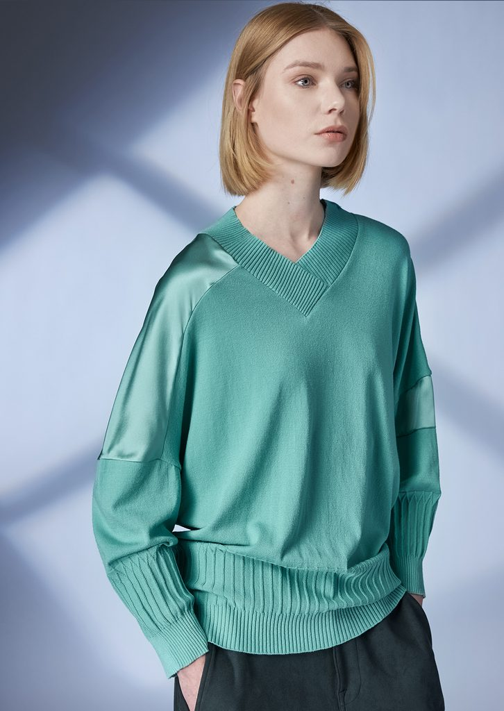SWEATER/SWEATER <strong>Z142</strong><br> PANTS/PANTS <strong>Z217</strong>