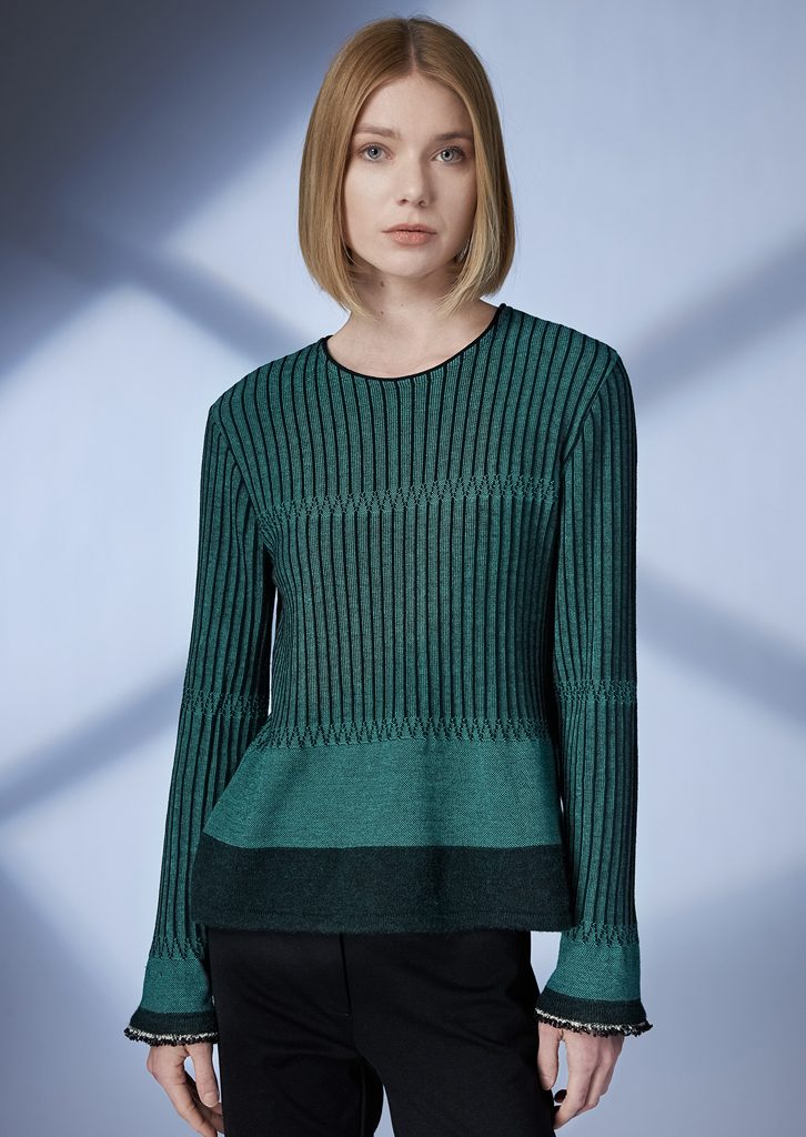 SWEATER/SWEATER <strong>Z147</strong><br> PANTS/PANTS <strong>Z222</strong>