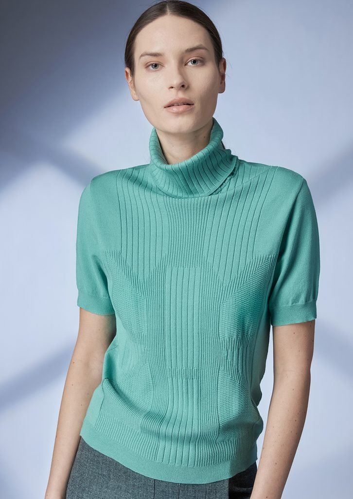 TURTLE_NECK/TURTLE_NECK <strong>Z204</strong><br> SKIRT/SKIRT <strong>Z216</strong><br>