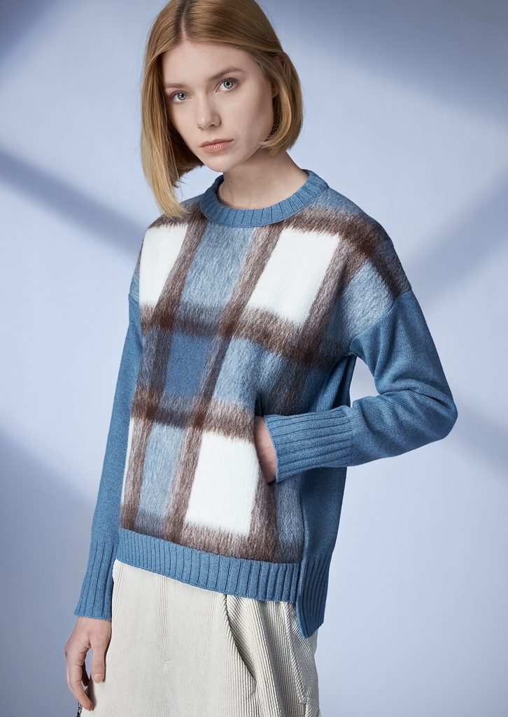 SWEATER/SWEATER <strong>Z451</strong><br> PANTS/PANTS <strong>Z242</strong>
