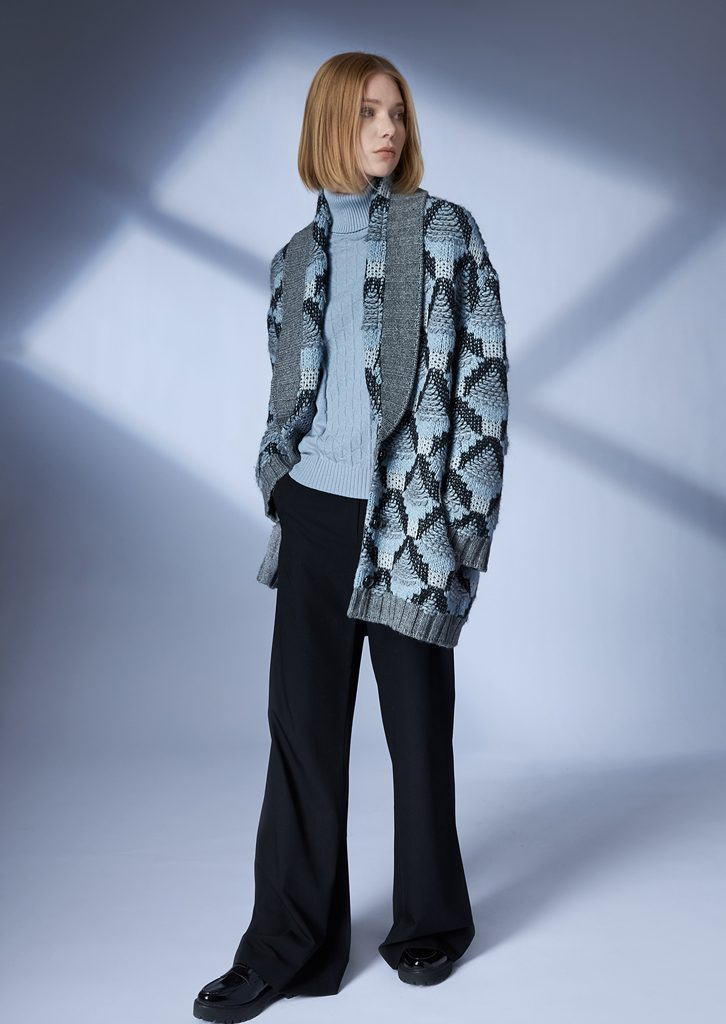 COAT/COAT <strong>Z407</strong><br> TURTLE_NECK/TURTLE_NECK <strong>Z206</strong><br> PANTS/PANTS <strong>Z429</strong>