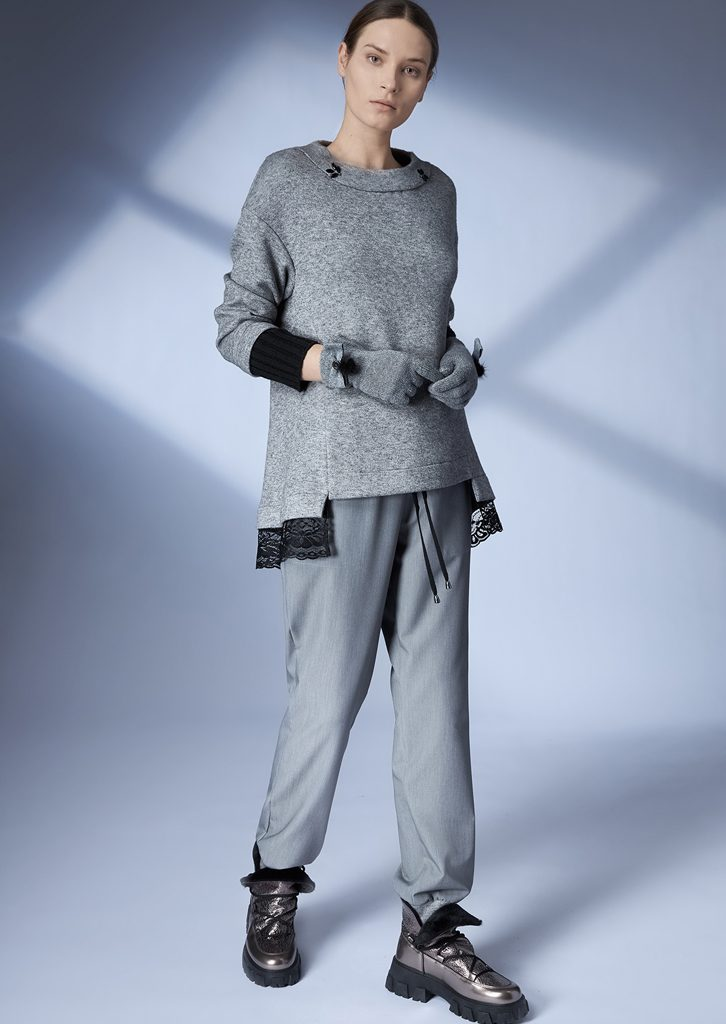 SWEATER/SWEATER <strong>Z404</strong><br> GLOVES/GLOVES <strong>Z454</strong><br> JOGGIN_PANTS/JOGGING_PANTS <strong>Z176</strong>